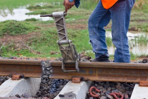 Workers preparing equipment for maintenance of the railway-Edit.tif